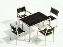 FLOW DINING TABLE